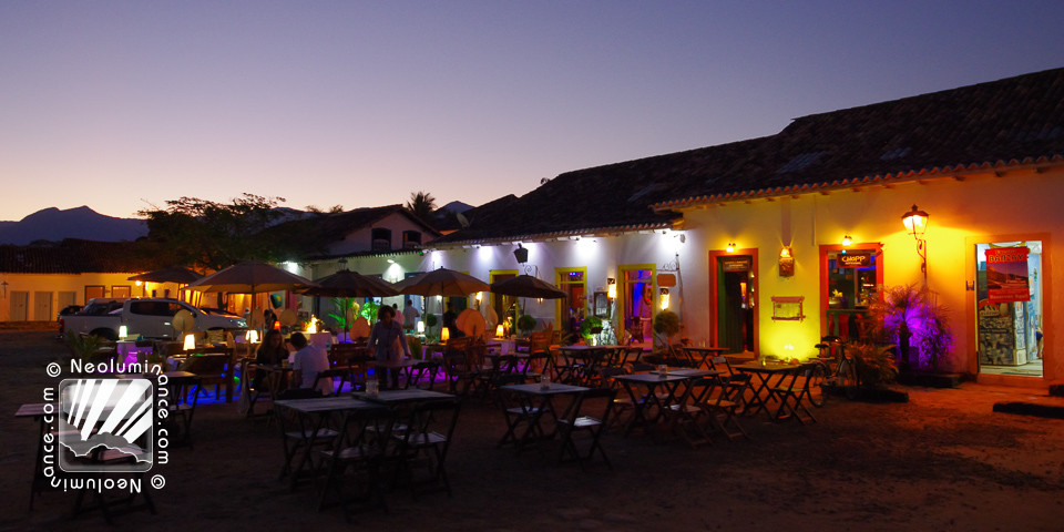 Paraty Night Colors