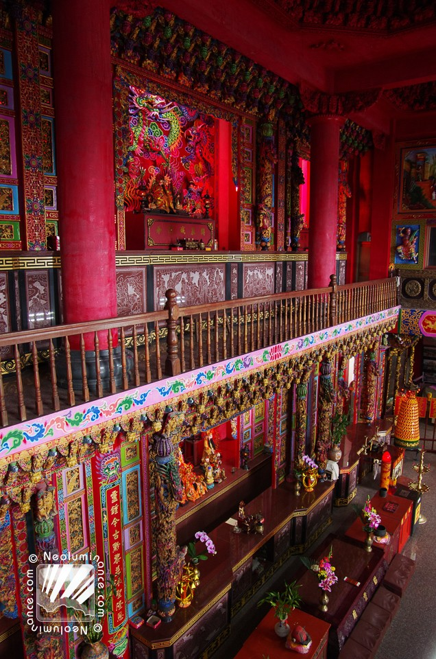 Jiufen Temple Interior